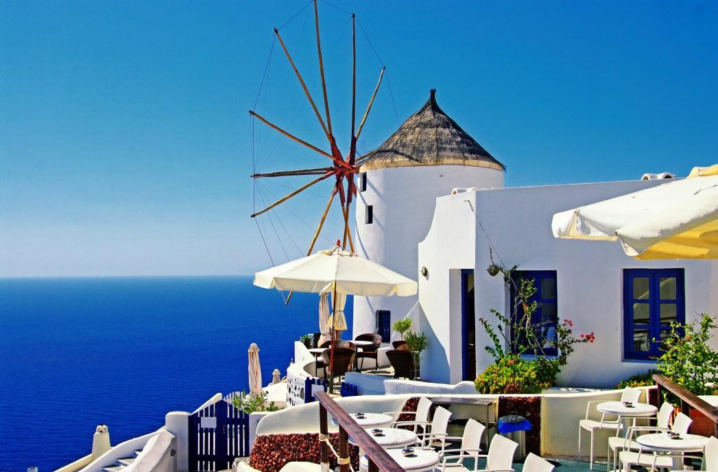 Valkoisia kreikkalaisia taloja